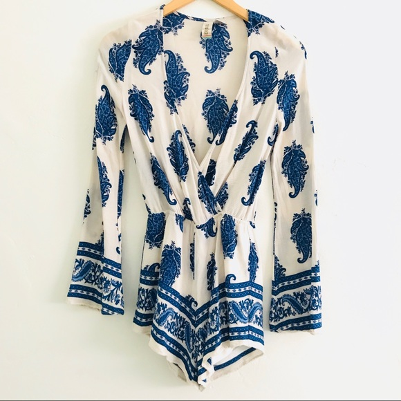 ad04103d8dc NWOT White and Blue Paisley Long Sleeve Romper